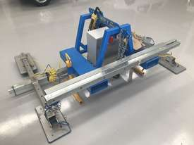 Vacuum Lifter With 90 Degree Power Tilt - picture5' - Click to enlarge