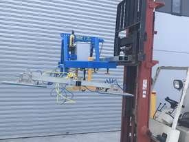 Vacuum Lifter With 90 Degree Power Tilt - picture8' - Click to enlarge