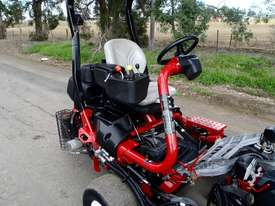 Toro Triflex 3400D Golf Greens mower Lawn Equipment - picture18' - Click to enlarge