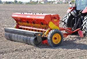 2018 AGROMASTER BM 18R SINGLE DISC SEED DRILL + PACKER ROLLER (3.3M)