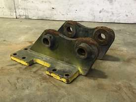 HEAD BRACKET TO SUIT 2-3T EXCAVATOR D977 - picture0' - Click to enlarge