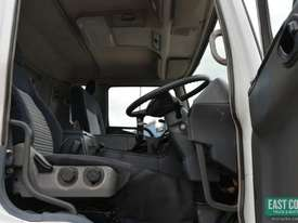 2006 MITSUBISHI FUSO FS Cab Chassis   - picture10' - Click to enlarge