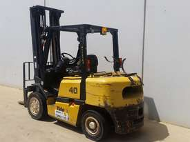 4T Counterbalance Forklift - picture1' - Click to enlarge