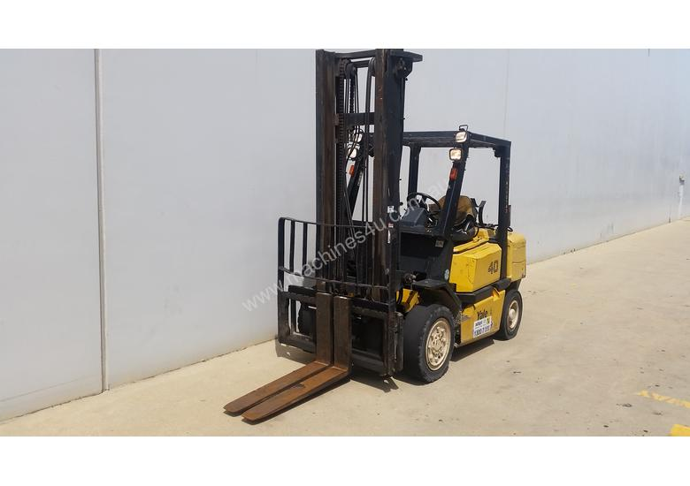 4T Counterbalance Forklift