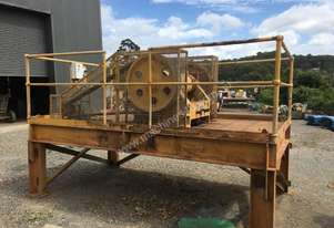 Jaw Crusher stand mounted with motor