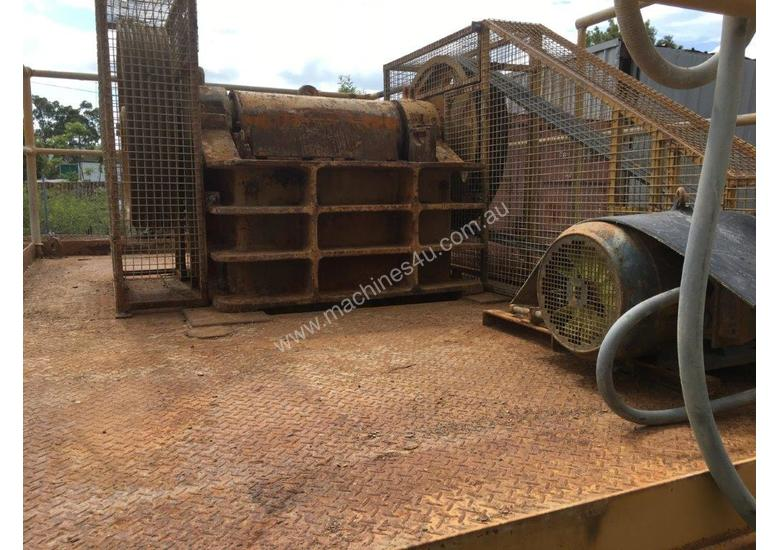 Jaw Crusher 150 mm x 750 mm on stand with motor