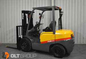 TCM FD30T3 3 Tonne 3 Stage Container Mast Forklift