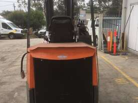 2.0T Battery Electric Narrow Aisle Forklift - picture2' - Click to enlarge