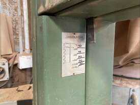 Meber S.R 600 Bandsaw + Blades  - picture1' - Click to enlarge