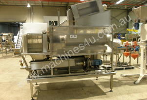 Fruit and vegetable washing plant.