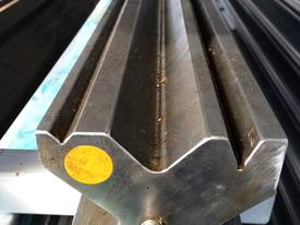 PRESS BRAKE TOOLING 120MM X 4100 MULTI VEE DIES - picture0' - Click to enlarge