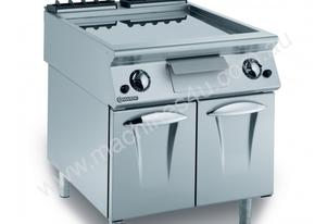 Mareno ANFT9-8GR Fry-Top With Ribbed Fry Plate