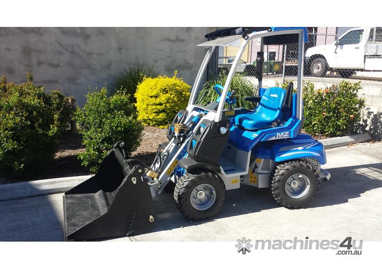 NEW MULTIONE 2.3  with Digga 4in1 Bucket