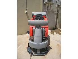 2008 Hako B750R Ride on Electric Floor Scrubber - picture3' - Click to enlarge