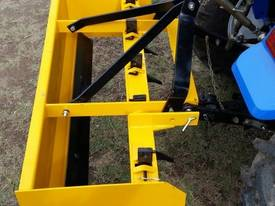 5' BOX GRADER BLADE WITH RIPPERS - picture2' - Click to enlarge