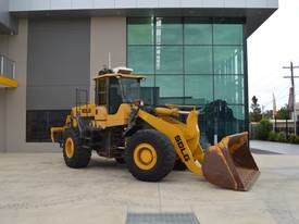 SDLG LG959 Loader with bucket & rear rippers