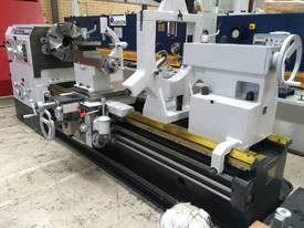 Romac 3 metre 800mm swing lathe140mm spindle  bore - picture5' - Click to enlarge