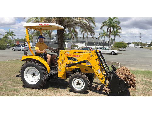 East Wind DFS304 - 30HP Deluxe Tractor with Shuttl