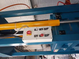 Bale Press Machine - picture4' - Click to enlarge