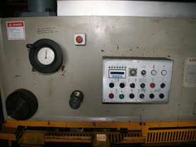 Guillotine Variable rake with blade gap adjustment - picture2' - Click to enlarge