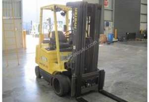 2 ton forklift with 4 stage container mast