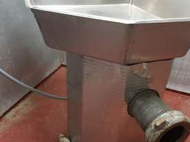 Commercial Mincer for Butcher - picture2' - Click to enlarge