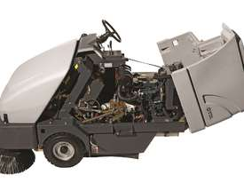Nilfisk Battery Ride On Sweeper (inc batteries) SR1601 - picture2' - Click to enlarge