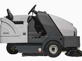 Nilfisk Battery Ride On Sweeper (inc batteries) SR1601 - picture3' - Click to enlarge