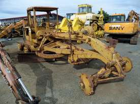 1964 Caterpillar 21F Grader *DISMANTLING* - picture0' - Click to enlarge