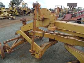 1964 Caterpillar 21F Grader *DISMANTLING* - picture14' - Click to enlarge