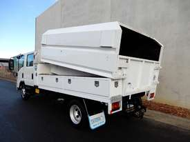 Isuzu NPR300 Cab chassis Truck - picture2' - Click to enlarge
