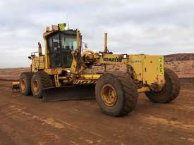 Komatsu GD825A-2 Grader - picture0' - Click to enlarge