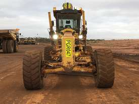 Komatsu GD825A-2 Grader - picture2' - Click to enlarge