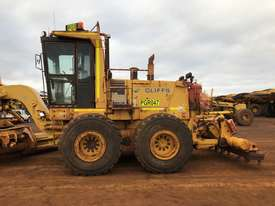 Komatsu GD825A-2 Grader - picture5' - Click to enlarge