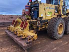 Komatsu GD825A-2 Grader - picture12' - Click to enlarge