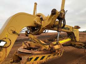 Komatsu GD825A-2 Grader - picture14' - Click to enlarge