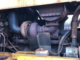 Komatsu GD825A-2 Grader - picture18' - Click to enlarge