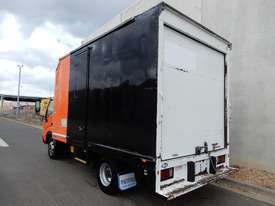 Hino Dutro Pantech Truck - picture2' - Click to enlarge
