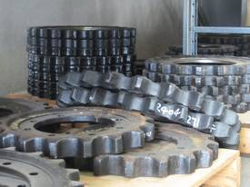TUFFPART STEEL TRACK CHAINS & TRACK GROUPS - picture1' - Click to enlarge