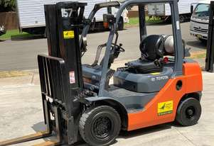 Toyota 2.5T Gas Forklift 8FG25 for HIRE from $200pw + GST