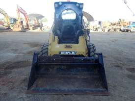 Caterpillar 246C Wheeled Skidsteer Loader - picture4' - Click to enlarge