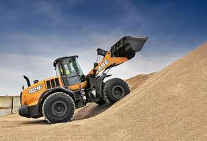 Case   821F WHEEL LOADERS