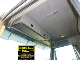 Volvo FM9 single axle Prime Mover with Crane. EMUS TS430 - picture13' - Click to enlarge