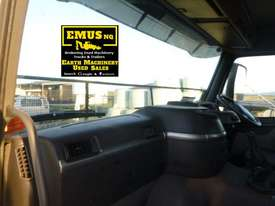 Volvo FM9 single axle Prime Mover with Crane. EMUS TS430 - picture16' - Click to enlarge