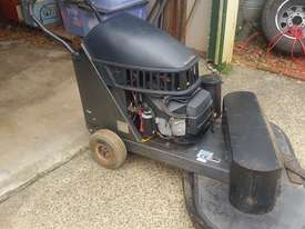 Floor Scrubber/ stripper  - picture0' - Click to enlarge