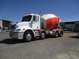2012 freightliner CL112 COLUMBIA  - picture0' - Click to enlarge