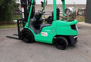 Refurbished 2.5 ton forklift sale