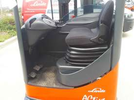 Used Forklift:  R20 Genuine Preowned Linde 2t - picture2' - Click to enlarge