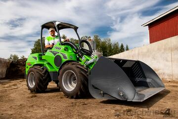 Avant 860i Powerful Articulated Compact Wheel Loader with Telescopic Boom