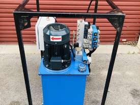 Eaton Hydraulic Power Unit  - picture0' - Click to enlarge